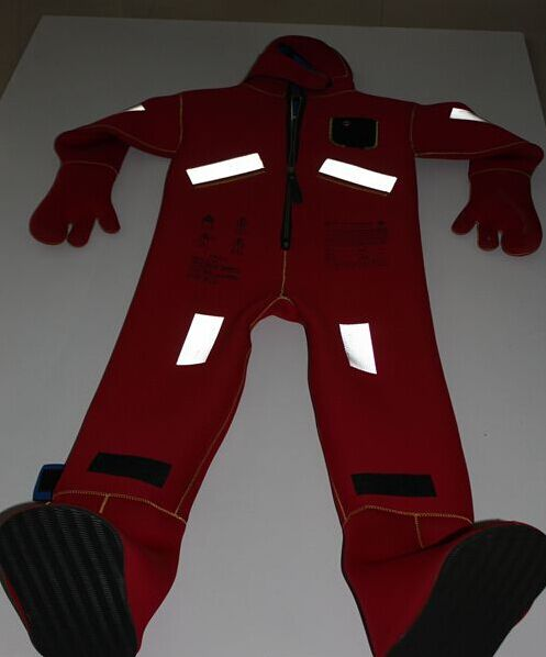 Rescue Marine Life Saving Equipment At Sea , Adult Life Jackets Warming Suit