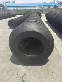 China Marine Circular Shape Tugboat Rubber Fenders With Chain Connection distributor